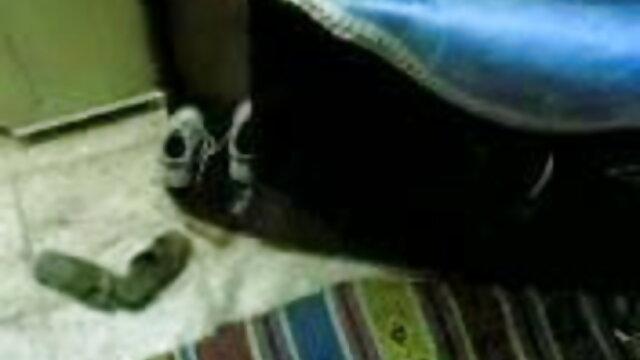 Mamka પગલાં પહેલાં vebkameroy નવા જૂતા અને શો તેના પગ સેકસ વીડીયો ઇંગ્લીશ કાળા pantyhose