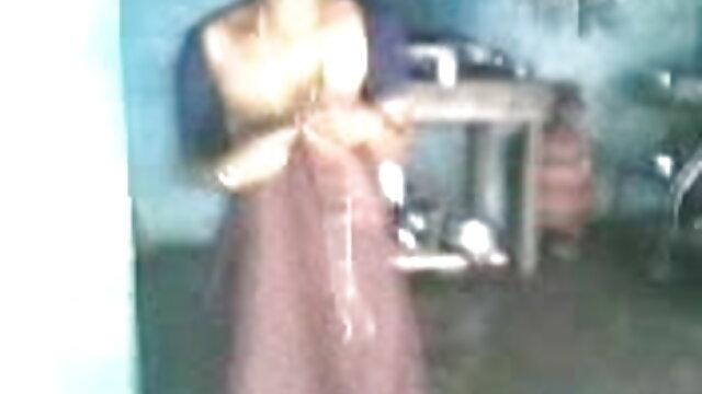 મમ્મી મારે તને ચોદવિ છે મોટી ગાંડ અને સ્તન સેક્સ એક મિત્ર સાથે બીપી વીડીયો સેકસી બીપી વીડીયો સેકસી ફ્લોર પર