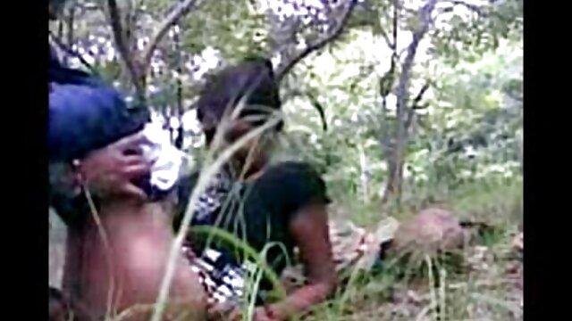 એક કાળા સ્ત્રી સાથે વાળ ના quads સાથે એક બાલ્ડ માણસ ફુલ એચડી વીડીયો સેકસી