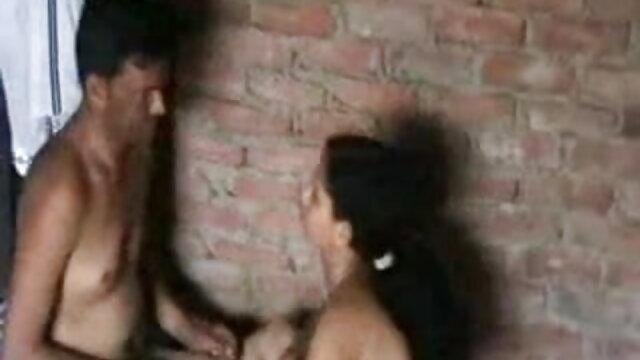 ચરબી મહિલા બેઠા બેડ પર સેક્સ-મશીન, સ્થળ હિન્દી વીડીયો સેકસી પર ઢાંકણ નગ્ન