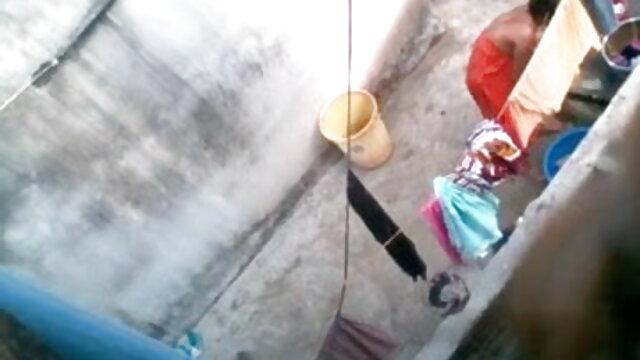 સુંદર રાંડ સાથે નાની સેકસી પીચર વીડીયો ડિંટ્ડી લીધો લોડો છોકરી ના મોં માં અને ગાંડ
