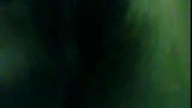 ટિફની લિન રોક અને પ્રોપ્સ ખેંચવાની સેકસી વીડીયો લાઈવ માં