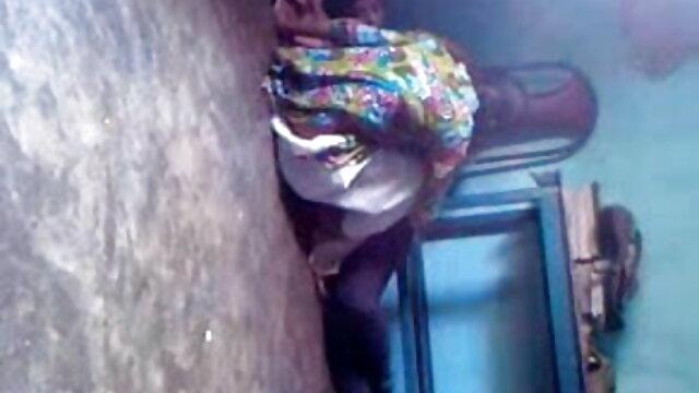 માથા બીપી વીડીયો સેકસી પર ચામડું કોચથી ફ્રાય પોઇન્ટ સાથે એક મોટી ગાંડ