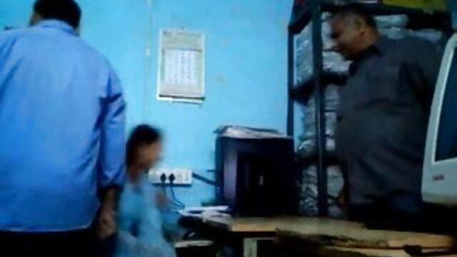 કાળી દ્રષ્ટિ પર આવરણવાળા પર ગુજરાતી સેકસી વીડીયો ફૂલ એચડી તેના કૃત્રિમ ભોસ ચુત